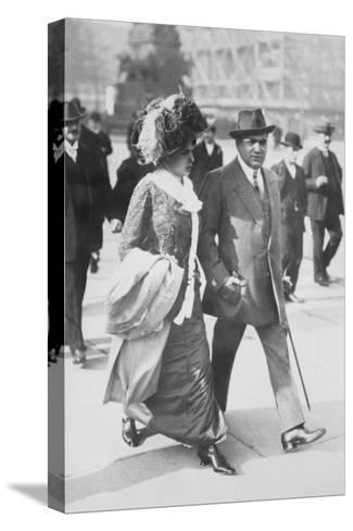 Mr. and Mrs. Enrico Caruso--Stretched Canvas Print