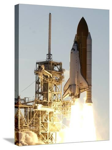 APTOPIX Space Shuttle-Terry Renna-Stretched Canvas Print