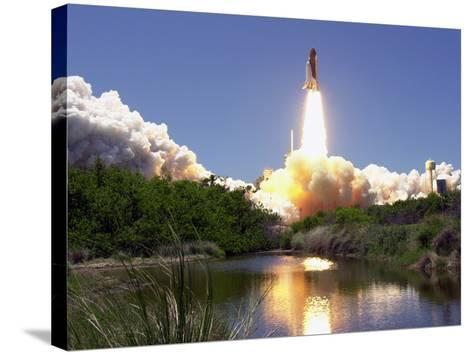 Space Shuttle-John Raoux-Stretched Canvas Print