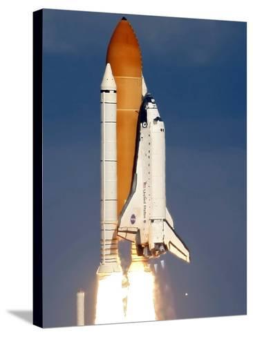 Space Shuttle-Alan Diaz-Stretched Canvas Print