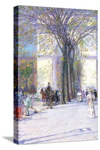 Washington Triumphal Arch in Spring-Childe Hassam-Stretched Canvas Print
