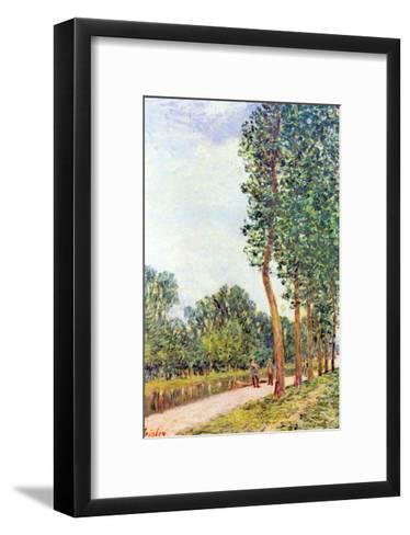 Banks of the Loing in Moret-Alfred Sisley-Framed Art Print