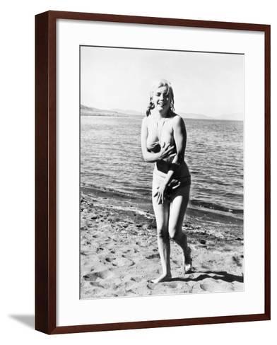 Marilyn Monroe (1926-1962)--Framed Art Print