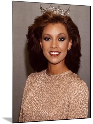 Vanessa Williams, Miss America, 1983-Moneta Sleet Jr.-Mounted Photographic Print