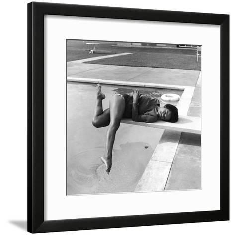 Eartha Kitt - 1959-Isaac Sutton-Framed Art Print