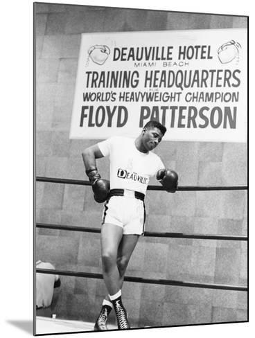 Floyd Patterson-Moneta Sleet Jr.-Mounted Photographic Print