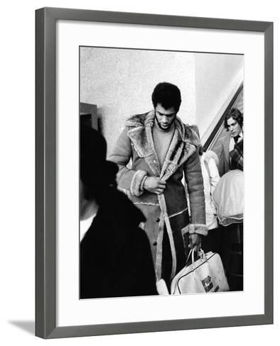 Kareem Abdul-Jabbar-Ozier Muhammad-Framed Art Print
