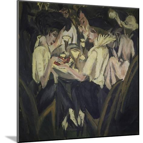 The Garden Cafe, 1914-Ernst Ludwig Kirchner-Mounted Giclee Print