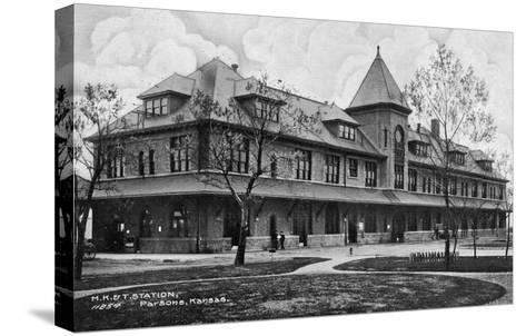 Parsons, Kansas - Missouri, Kansas, and Texas Railroad Station-Lantern Press-Stretched Canvas Print