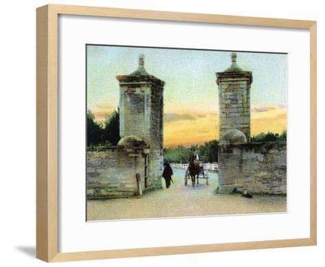 St. Augustine, Florida - View of the Old City Gate-Lantern Press-Framed Art Print
