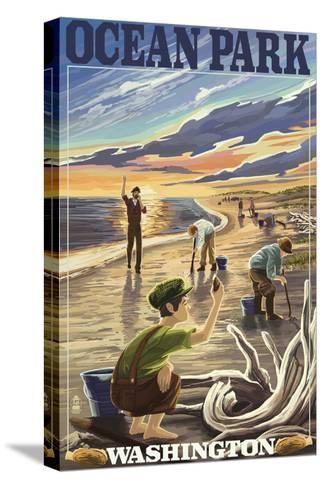Ocean Park, Washington - Clam Diggers-Lantern Press-Stretched Canvas Print