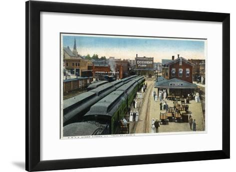 Aurora, Illinois - Chicago, Burlington, and Quincy Railroad Depot-Lantern Press-Framed Art Print