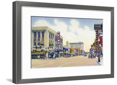 Albuquerque, New Mexico - Eastern View Up Central Avenue-Lantern Press-Framed Art Print