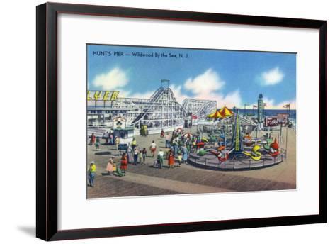 Wildwood, New Jersey - Wildwood-By-The-Sea Hunt's Pier-Lantern Press-Framed Art Print