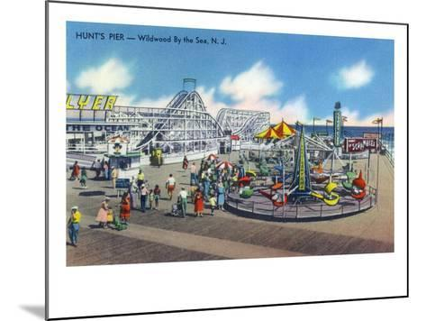 Wildwood, New Jersey - Wildwood-By-The-Sea Hunt's Pier-Lantern Press-Mounted Art Print
