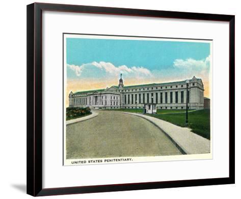 Atlanta, Georgia - US Penitentiary Exterior-Lantern Press-Framed Art Print