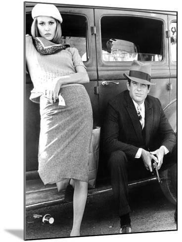 Bonnie and Clyde, Faye Dunaway, Warren Beatty, 1967--Mounted Photo