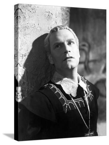 Hamlet, Laurence Olivier, 1948--Stretched Canvas Print