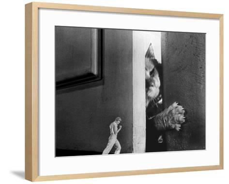 The Incredible Shrinking Man, Grant Williams, 1957--Framed Art Print