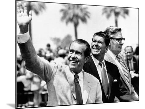 Pres Richard Nixon, Gov Ronald Reagan and Donald Johnson, Administrator of Veterans Affairs--Mounted Photo
