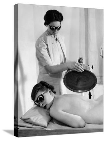 Helena Rubenstein Fifth Avenue Salon--Stretched Canvas Print