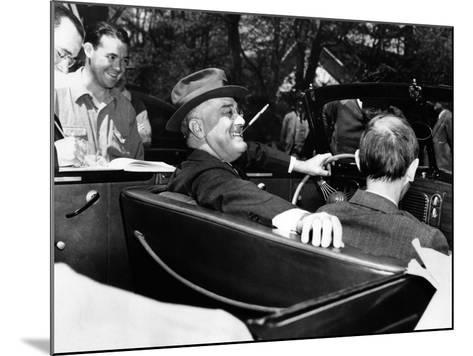 President Franklin Roosevelt, Debonair with His Cigarette Holder--Mounted Photo