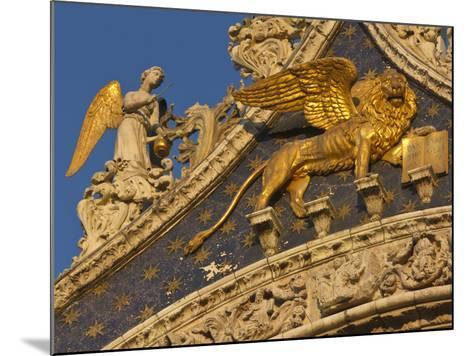 Lion of San Marco, Venice, Italy-Bill Young-Mounted Photographic Print