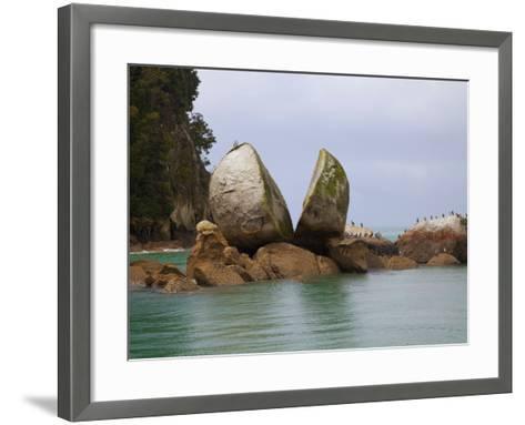 Split Rock, Kaiteriteri Coast, Abel Tasman National Park, South Island, New Zealand-Douglas Peebles-Framed Art Print