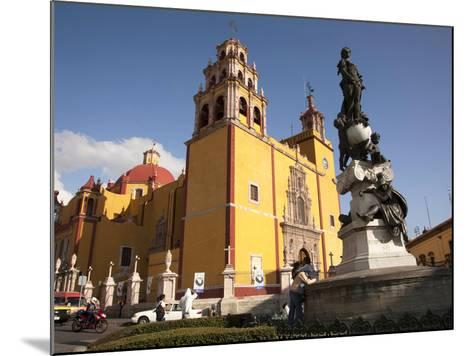 Cathedral of Guanajuato and Fountain, Guanajuato, Mexico-John & Lisa Merrill-Mounted Photographic Print