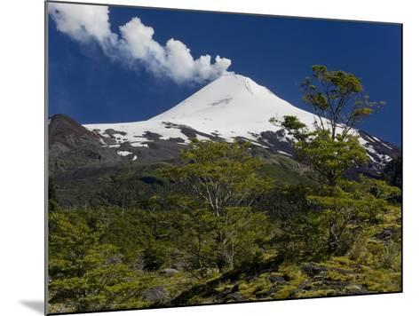 Villarrica Volcano, Villarrica National Park, Chile-Scott T^ Smith-Mounted Photographic Print