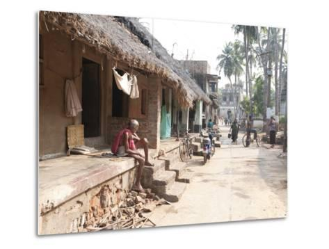 Artists Houses with Thatched Roofs in Main Street of Artists' Village, Raghurajpur, Orissa, Inda-Annie Owen-Metal Print
