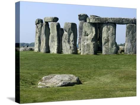 Standing Stone Circle of Stonehenge, 3000-2000BC, UNESCO World Heritage Site, Wiltshire, England-Ethel Davies-Stretched Canvas Print