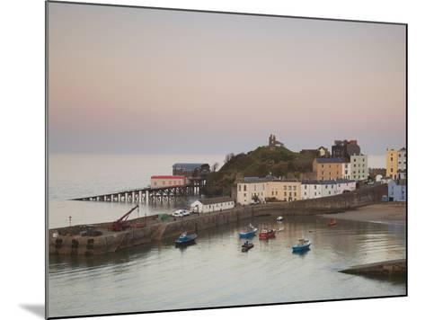 Tenby Harbour, Tenby, Pembrokeshire, Wales, United Kingdom, Europe-Billy Stock-Mounted Photographic Print