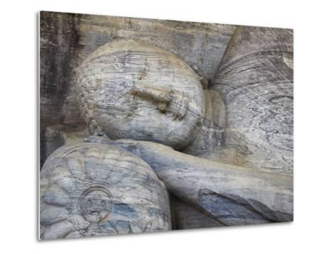 Reclining Buddha Statue, Gal Vihara, Polonnaruwa, UNESCO World Heritage Site, Sri Lanka-Ian Trower-Metal Print