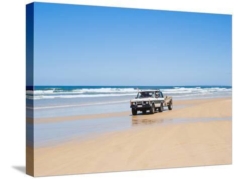 Tourists on 75 Mile Beach Self Drive 4x4 Tour of Fraser Is, UNESCO World Heritage Site, Australia-Matthew Williams-Ellis-Stretched Canvas Print