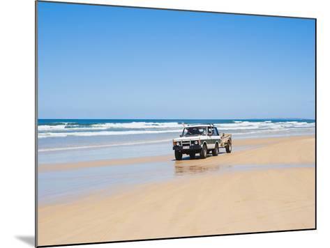 Tourists on 75 Mile Beach Self Drive 4x4 Tour of Fraser Is, UNESCO World Heritage Site, Australia-Matthew Williams-Ellis-Mounted Photographic Print