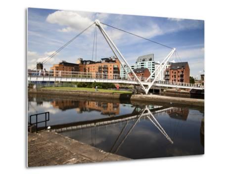 Knights Way Bridge at Leeds Lock No 1, Leeds, West Yorkshire, Yorkshire, England, UK, Europe-Mark Sunderland-Metal Print
