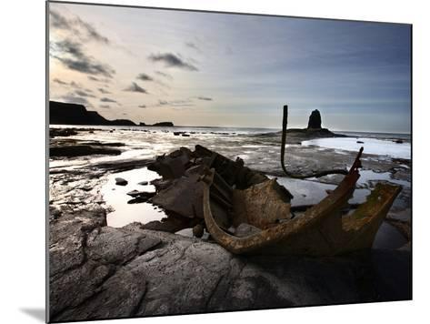 Old Wreck and Black Nab at Saltwick Bay, Near Whitby, North Yorkshire, Yorkshire, England, UK-Mark Sunderland-Mounted Photographic Print