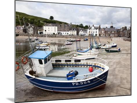 Beached Fishing Boat in the Harbour at Stonehaven, Aberdeenshire, Scotland, United Kingdom, Europe-Mark Sunderland-Mounted Photographic Print