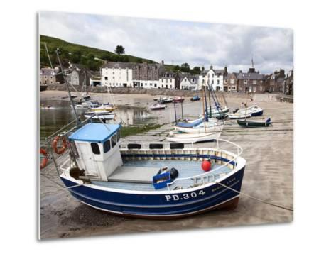 Beached Fishing Boat in the Harbour at Stonehaven, Aberdeenshire, Scotland, United Kingdom, Europe-Mark Sunderland-Metal Print