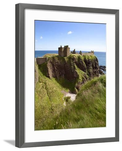 Dunnottar Castle Near Stonehaven, Aberdeenshire, Scotland, United Kingdom, Europe-Mark Sunderland-Framed Art Print