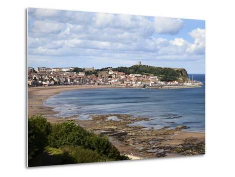 South Bay from South Cliff Gardens, Scarborough, North Yorkshire, Yorkshire, England, UK, Europe-Mark Sunderland-Metal Print