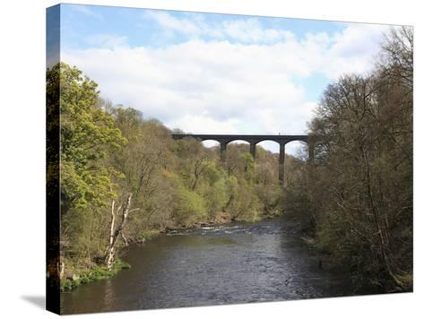 Pontcysyllte Aqueduct, UNESCO World Heritage Site, Llangollen, Denbighshire, North Wales, UK-Wendy Connett-Stretched Canvas Print