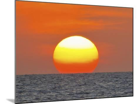 Close Up of the Sun Setting over the Gulf of Mexico-Mike Theiss-Mounted Photographic Print