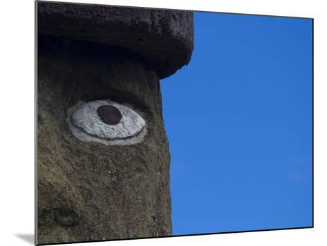 Ahu Ko Te Riku Moai at Ahu Tahai, Easter Island-Michael Melford-Mounted Photographic Print