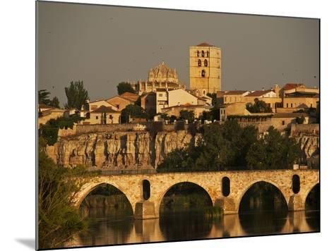 The Duero River and Roman Bridge in Zamora-Tino Soriano-Mounted Photographic Print