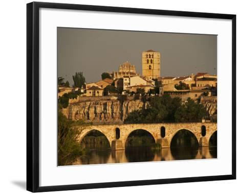 The Duero River and Roman Bridge in Zamora-Tino Soriano-Framed Art Print