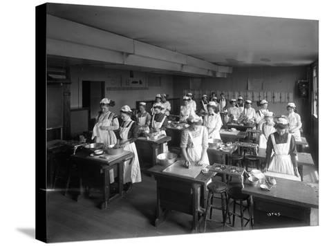 Cooking Class, Seattle, 1909-Ashael Curtis-Stretched Canvas Print