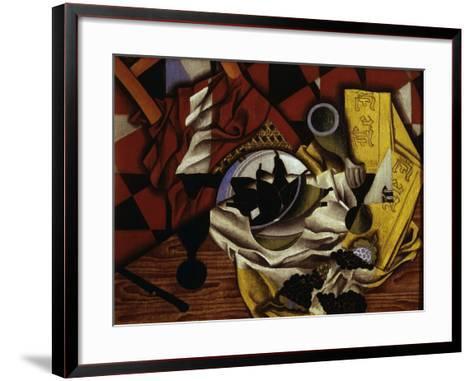 Nature Morte Aux Raisins et Aux Poires (Still Life with Grapes and Pears), 1913-Juan Gris-Framed Art Print