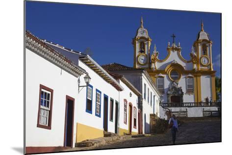 Colonial Houses and Matriz de Santo Antonio Church, Tiradentes, Minas Gerais, Brazil, South America-Ian Trower-Mounted Photographic Print